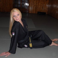 Sexy women in martial arts 39